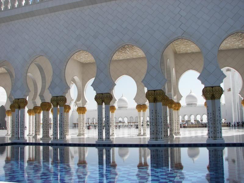 No Shiny Skyscrapers. Dubai, Sharjah and Abu Dhabi: a look beyond the steel and glass urban panorama 100_4063
