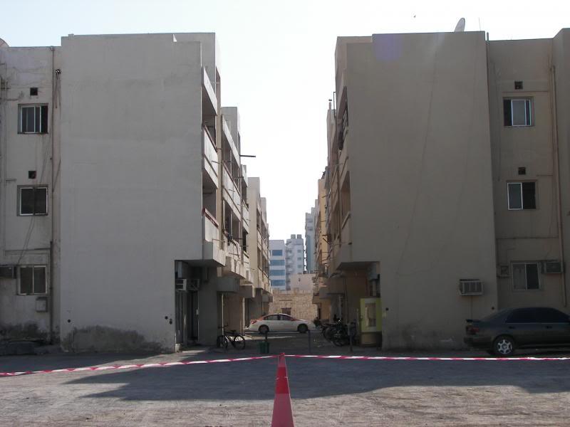 No Shiny Skyscrapers. Dubai, Sharjah and Abu Dhabi: a look beyond the steel and glass urban panorama 100_4197