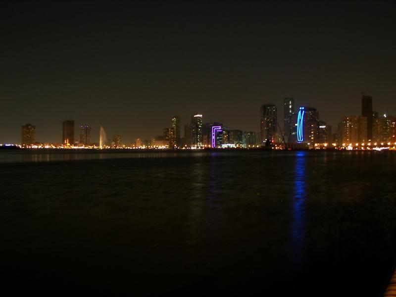 No Shiny Skyscrapers. Dubai, Sharjah and Abu Dhabi: a look beyond the steel and glass urban panorama 100_4347