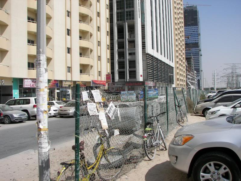 No Shiny Skyscrapers. Dubai, Sharjah and Abu Dhabi: a look beyond the steel and glass urban panorama 100_4352
