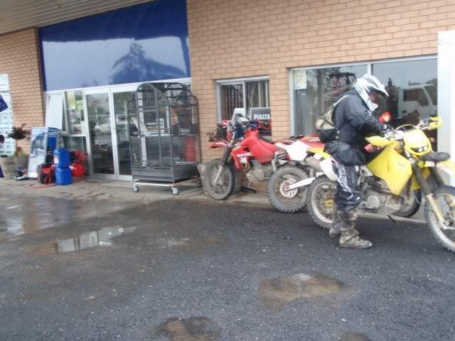 Wet Wet Wet in Aus, go the XR's P2070559640x480