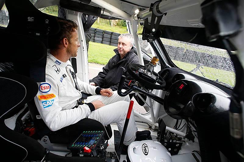 Jenson Button swaps his McLaren for a MINI RX 2015rallycross270801_zpsa03juhs4