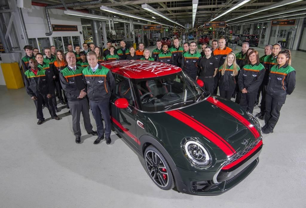 MINI's Oxford Plant Celebrates its 3 Millionth MINI Oxford_JCW_three-millionth_zpsbkohcwgl
