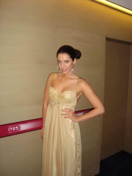 Official thread of Barbora Franekova - Miss Slovakia World 2009 - Page 4 15951_1172126141447_1176825608_3043