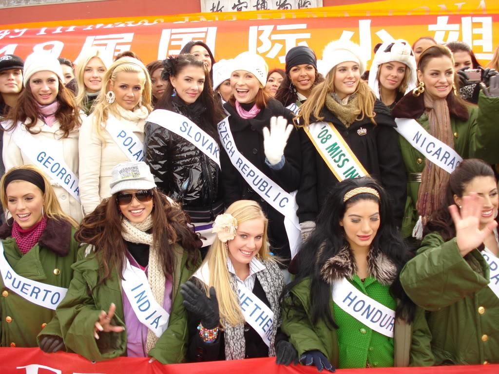 Sona Skoncova - Miss Slovak Republic International 2009 (Official Thread) - Page 2 DSC03107
