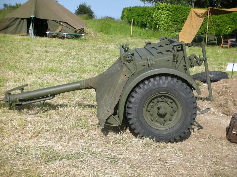 25 pdr FIELD GUN ARICAIN  ABANDONNE 007