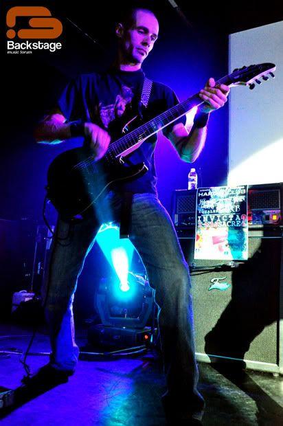 2010-12-25, Invicta X-Massacre II, Hard Club Mag