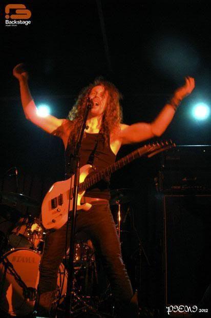 Reportagem: VALIENT THORR + JETTBLACK + DAWNRIDER, Hard Club, 2012/03/24 Valient460