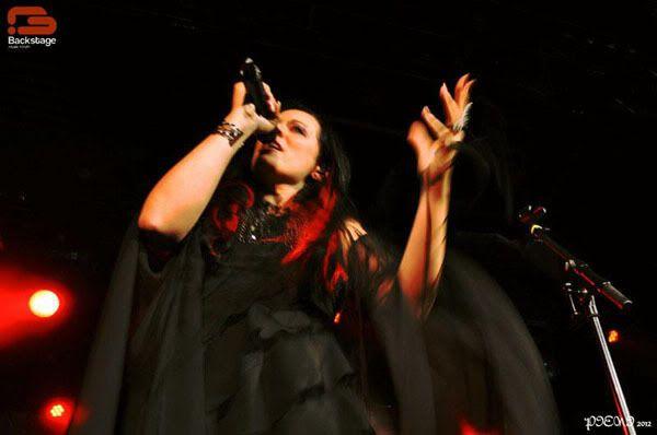 Reportagem: EPICA + STREAM OF PASSION + XANDRIA, Hard Club, 22/04/2012 Epica089copy