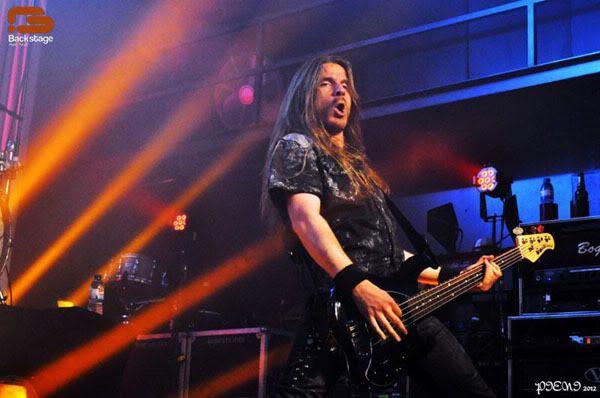 Reportagem: EPICA + STREAM OF PASSION + XANDRIA, Hard Club, 22/04/2012 Epica816copy
