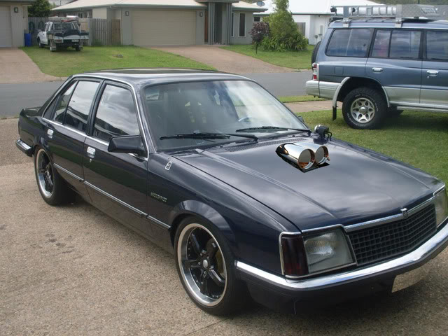 Chrisso's 1979 VB commodore!!!!!!!!!! - Page 2 VBwithshotgunscoop