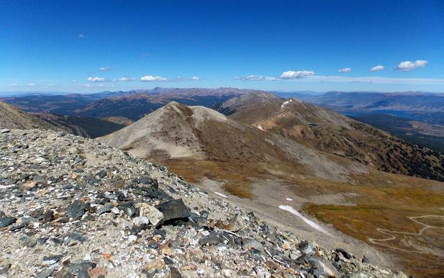 Hiking with dogs~Peak 9- 13,195ft & Peak 10- 13,633ft ~ Colorado DSCN2780