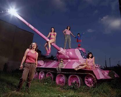 Jenny&Laura Tank Crew Figures hit the market! 01-14_PinkTank