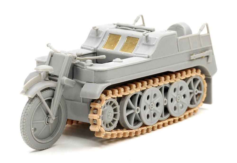 Built up photos of Dragons new Kettenkraftrad w/Pak 6446_3