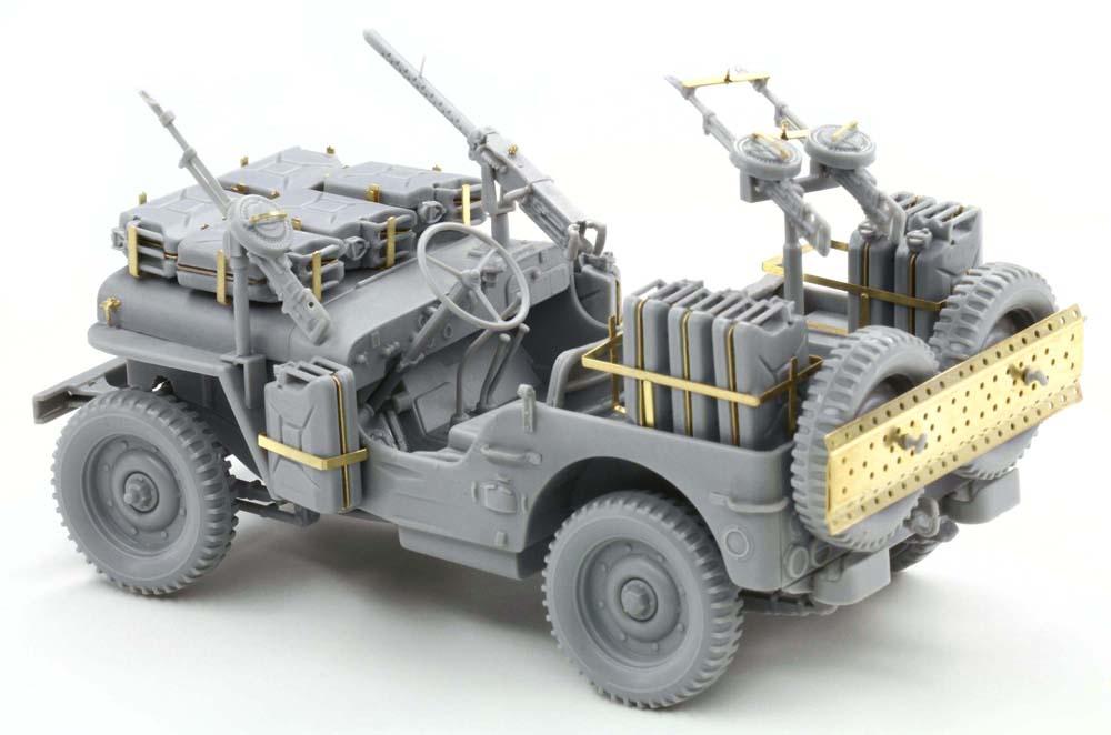Built up photos of Dragons SAS Raider Jeep. 6681_4