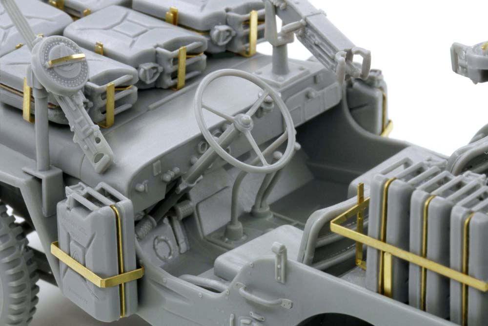 Built up photos of Dragons SAS Raider Jeep. 6681_6