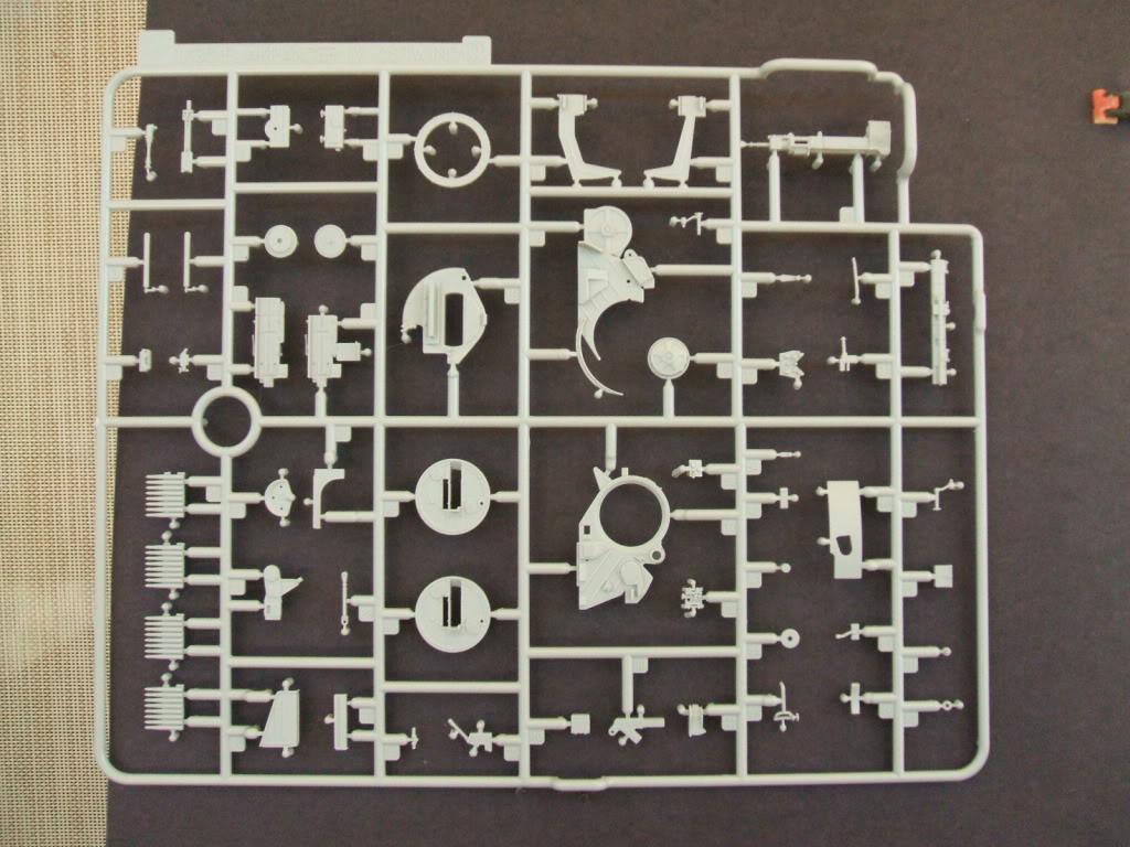 Dragon Flakpanzer IV Ostwind in box review. Ostwind2007