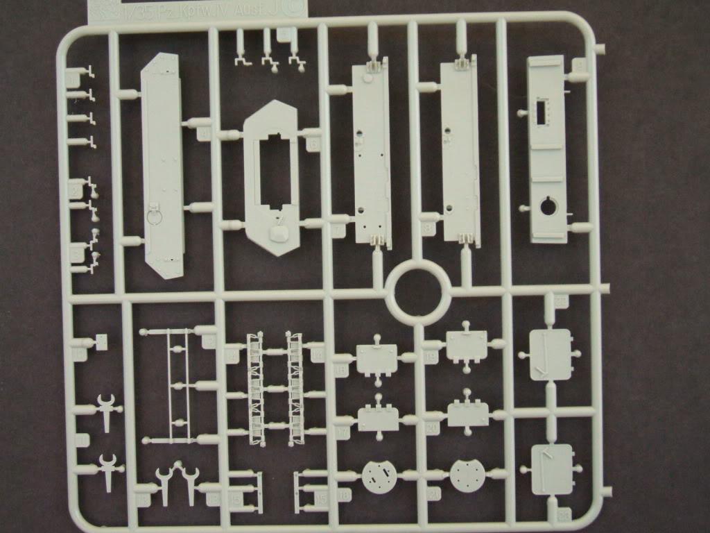 Dragon Flakpanzer IV Ostwind in box review. Ostwind2011