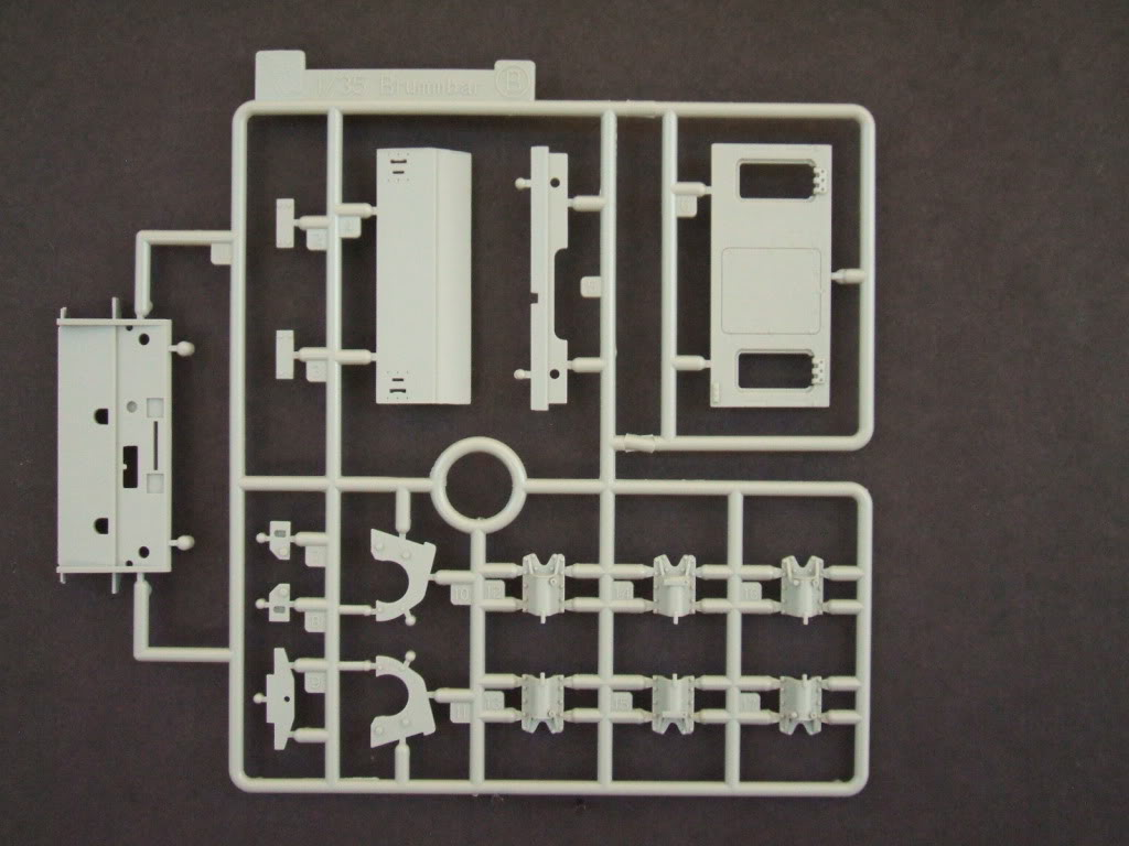 Dragon Flakpanzer IV Ostwind in box review. Ostwind3013
