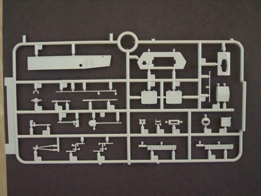 Dragon Flakpanzer IV Ostwind in box review. Ostwind3015