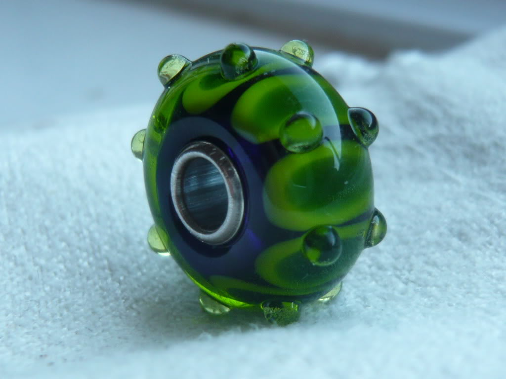 Show me your custom-made glass Trollbeads! - Page 2 Be007-1