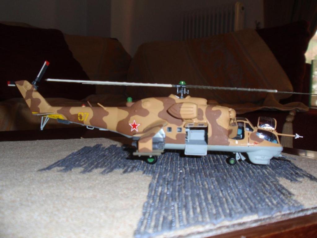 Mil Mi - 24 Hind D P3252198_1
