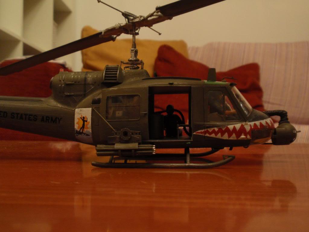 UH-1C FROG 1/35  P9192696_zps2011e9a8