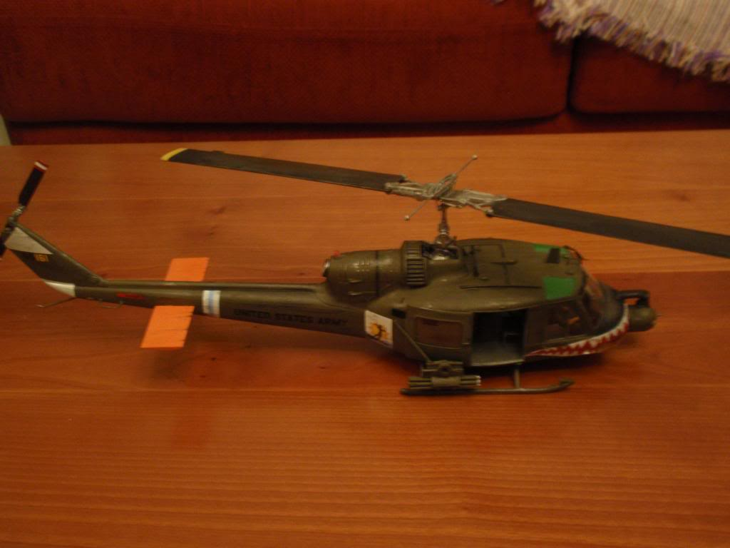 UH-1C FROG 1/35  P9192697_zpsa52900dc