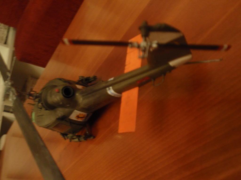UH-1C FROG 1/35  P9192701_zps0d90d862