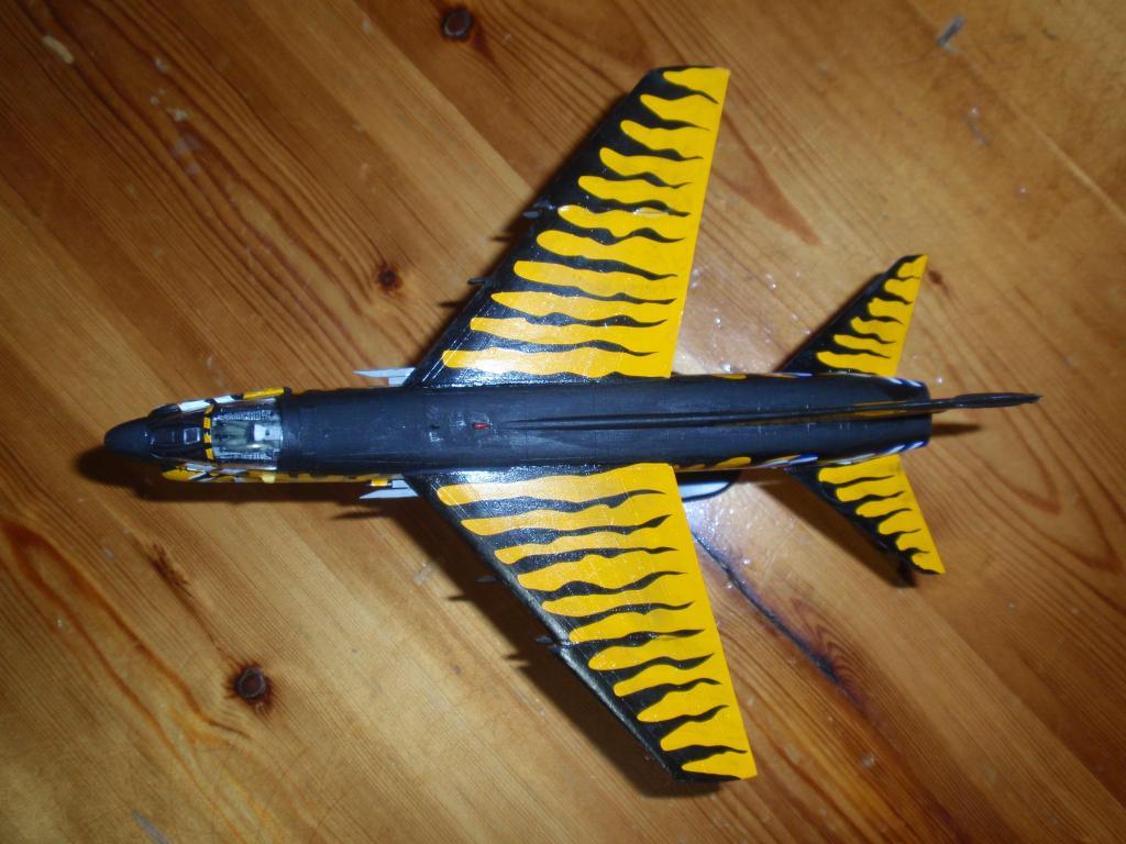 """Α-7Ε """"Τίγρης"""" 335 Μοίρα, HobbyBoss 1/72 PA263308_zpsf357fd01"""