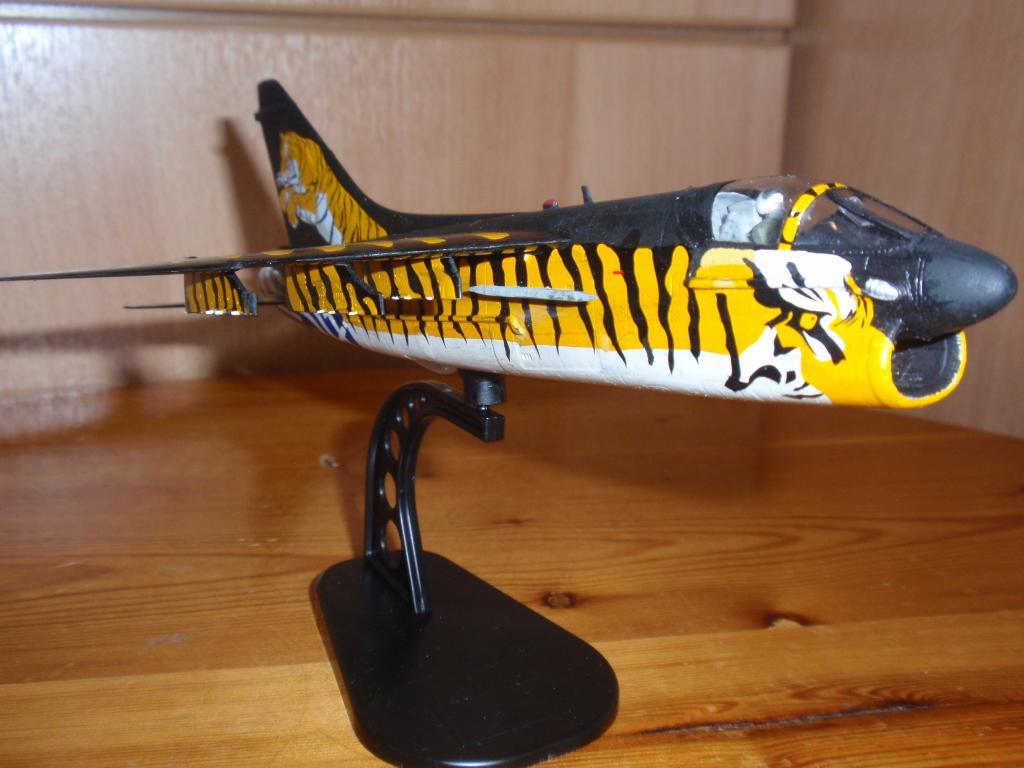 """Α-7Ε """"Τίγρης"""" 335 Μοίρα, HobbyBoss 1/72 PA263309_zps291da082"""