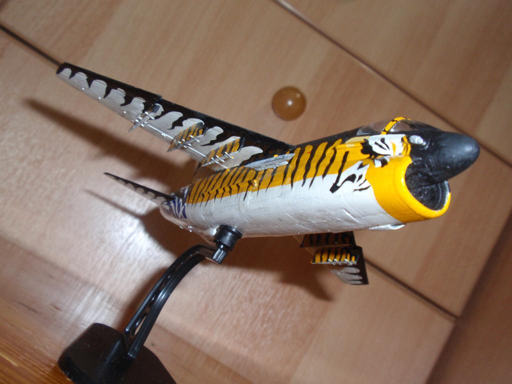 """Α-7Ε """"Τίγρης"""" 335 Μοίρα, HobbyBoss 1/72 PA263311_zpsd635a137"""