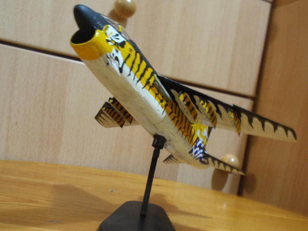 """Α-7Ε """"Τίγρης"""" 335 Μοίρα, HobbyBoss 1/72 PA263315_zps525c44c3"""