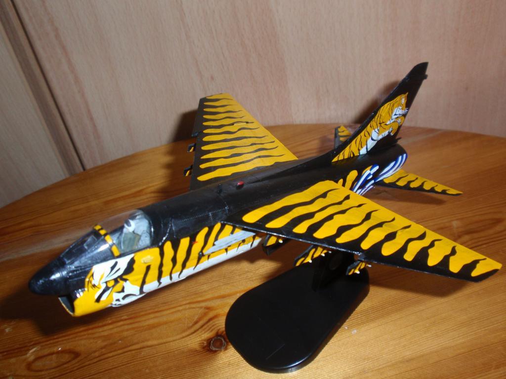 """Α-7Ε """"Τίγρης"""" 335 Μοίρα, HobbyBoss 1/72 PB043312_zps6b3ae024"""