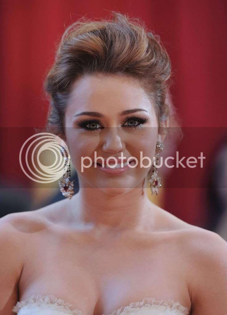 Miley Cyrus - Page 6 48