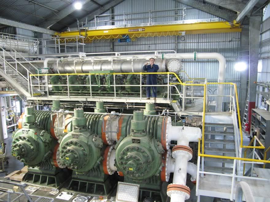 Clark 4500HP 12 Cyliner Engine IMG_0442