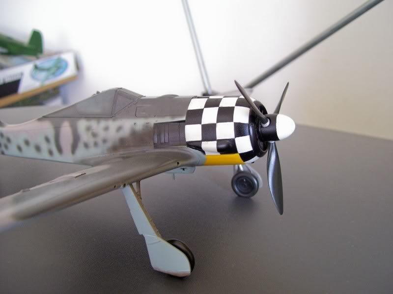 Focke Wulf 190 A-6 Georg Schott JG-1 (Terminado) - Página 2 Glossy2