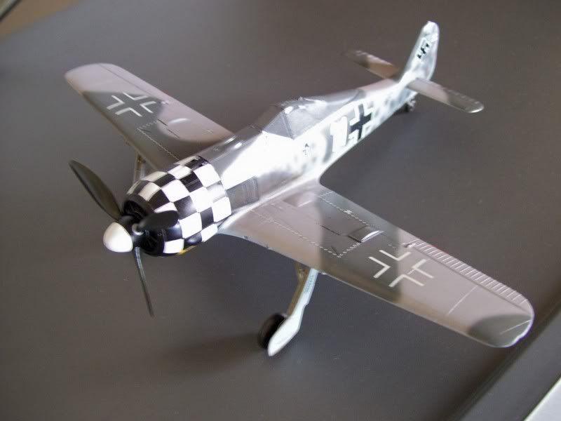 Focke Wulf 190 A-6 Georg Schott JG-1 (Terminado) - Página 2 Glossy7