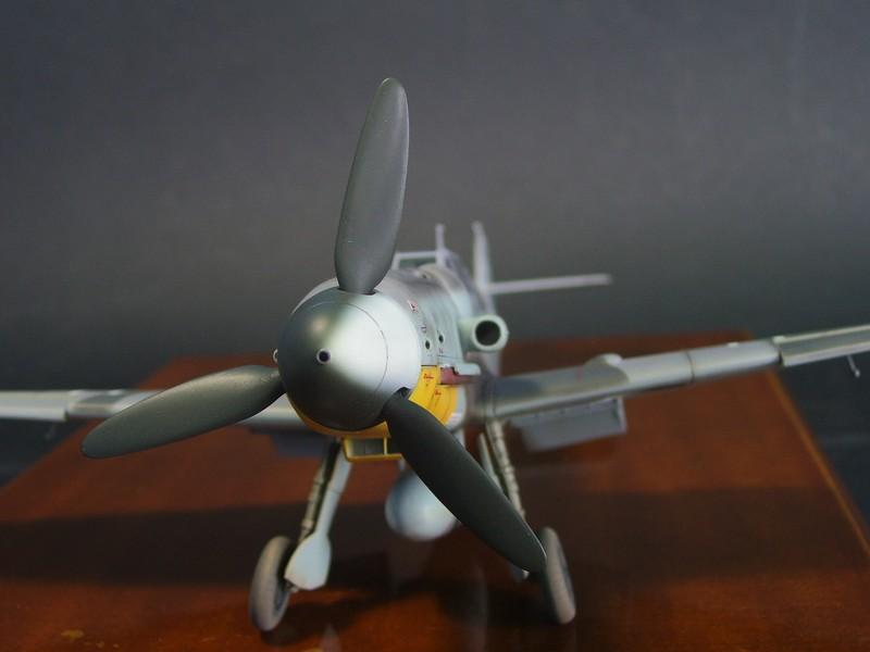 Messerschmitt Bf 109 G-6 (Hasegawa 1/48). Me109G6%2018