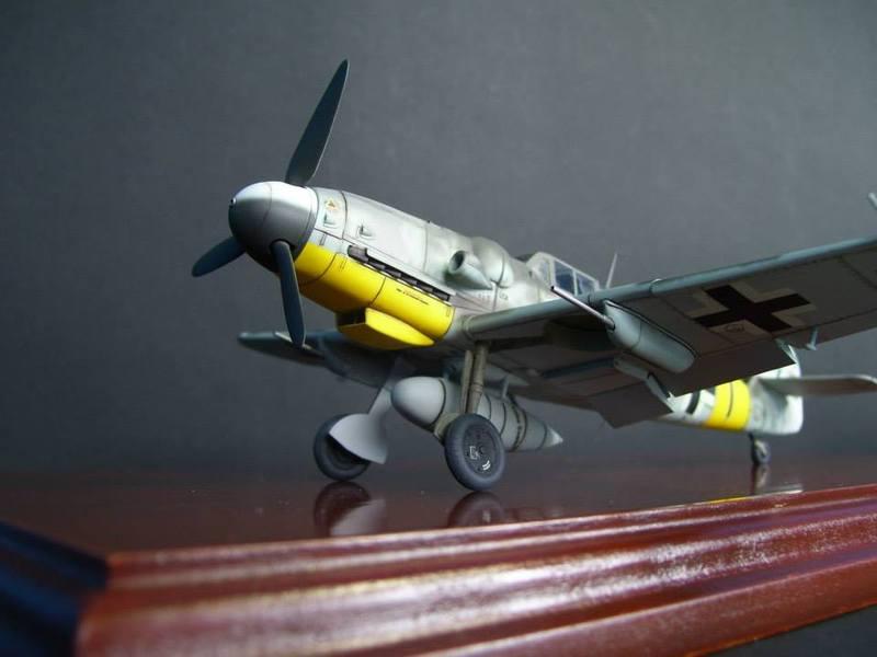 Messerschmitt Bf 109 G-6/R6 Hasegawa 1/48 Anton Hackl. Me109G6%203_1