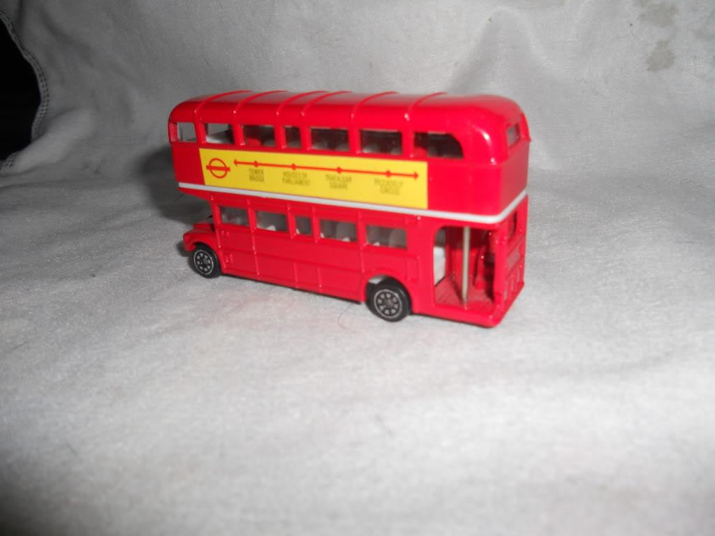 aqui buses de mi cole DSCN0666