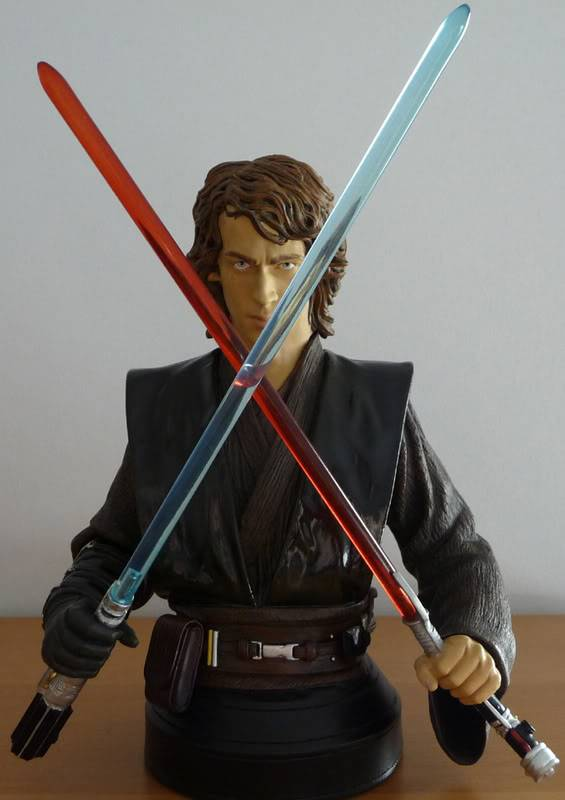 anakin episode 3 bust exclusif - Page 5 Photo001