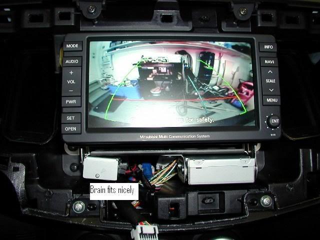 """Installare """"da soli"""" la Telecamera posteriore 24ReinstalledNavUnit"""