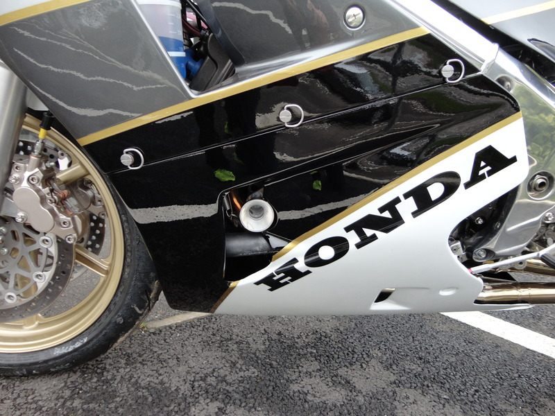 Honda RC 30 - Page 7 008_zpsta4navh3