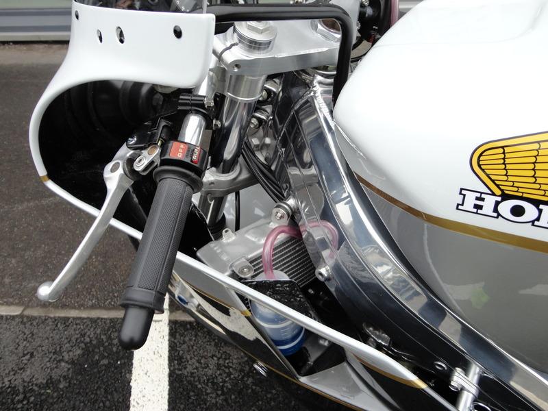 Honda RC 30 - Page 7 011_zpsacp1nnio