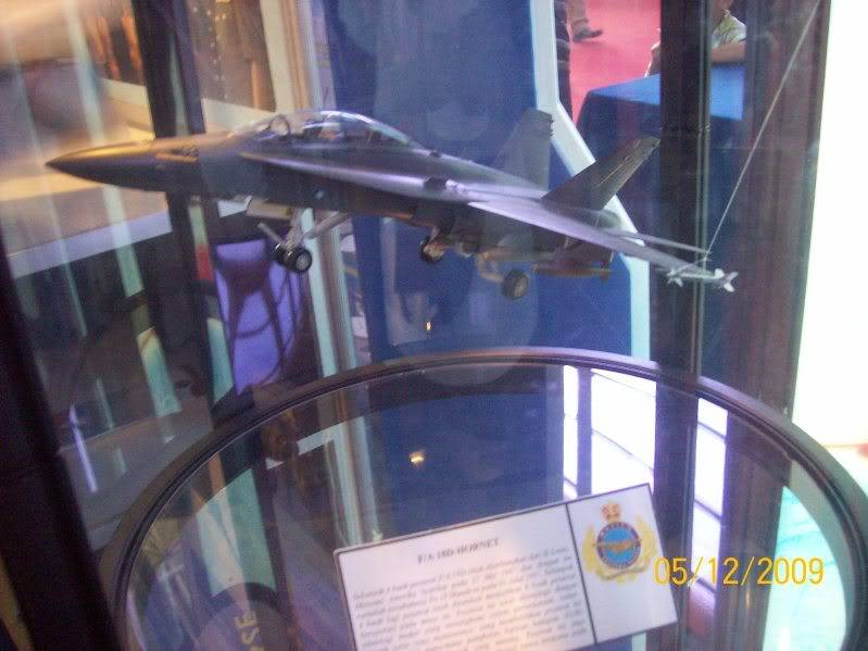 Laporan Pameran Udara dan Maritim Antarabangsa Langkawi 2009 100_0759