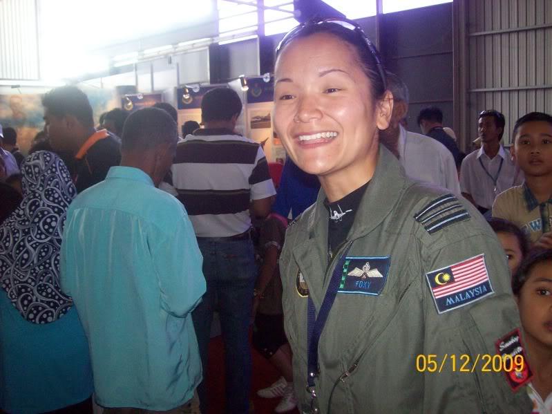 Laporan Pameran Udara dan Maritim Antarabangsa Langkawi 2009 - Page 2 100_0766
