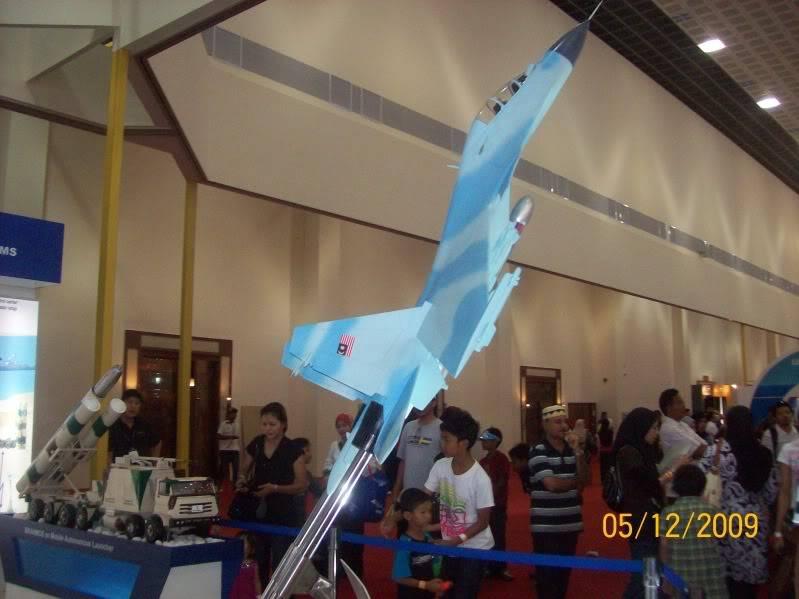 Laporan Pameran Udara dan Maritim Antarabangsa Langkawi 2009 100_0770