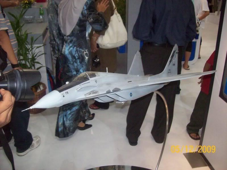 Laporan Pameran Udara dan Maritim Antarabangsa Langkawi 2009 100_0779