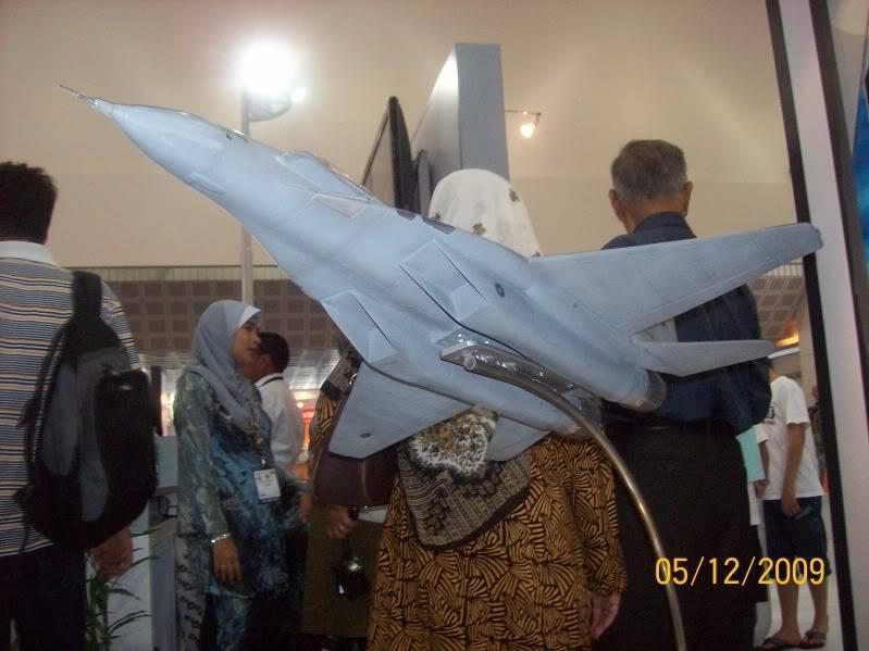 Laporan Pameran Udara dan Maritim Antarabangsa Langkawi 2009 100_0780